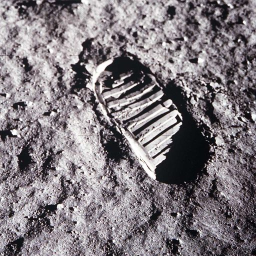 cropped-apollo-11-lunar-footprint-91.jpg